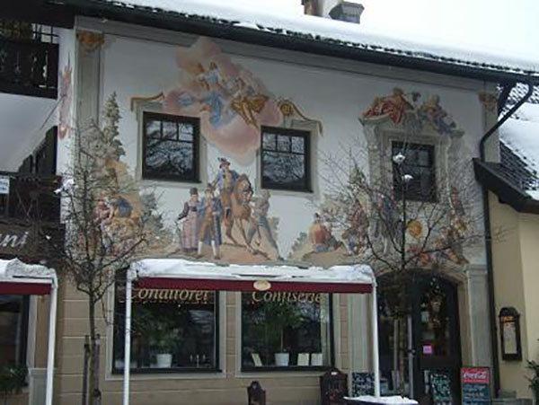 Building-Facade-in-Oberammergau,bavaria.travel