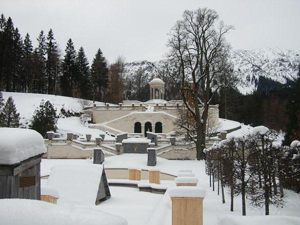 Grounds-around-Linderhof-Castle