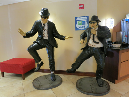 blues-brothers-display-holiday-inn-orlando