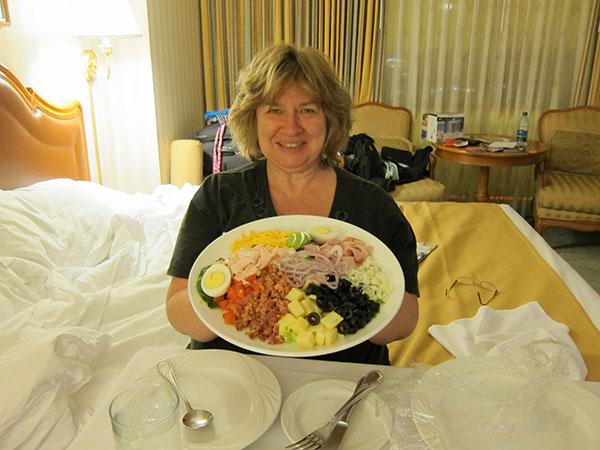 paris-hotel-las-vegas-room-service