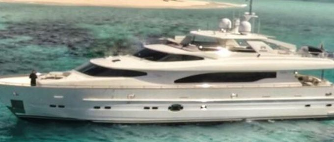 Encore Motor Yacht – Charter Encore & Relax & Enjoy