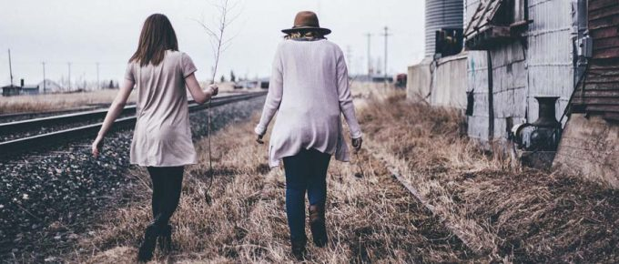 9 Tips For What to Look for in a Female Travelling Companion