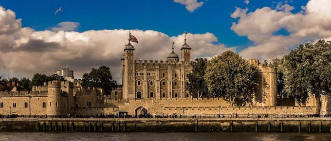 A Trip on the Thames and a Visit to the Tower of London